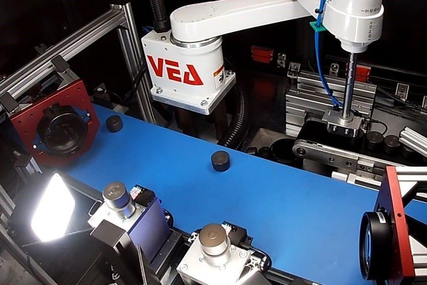 Qualitätskontrollanlage und mikrometrische Messung von Kolben